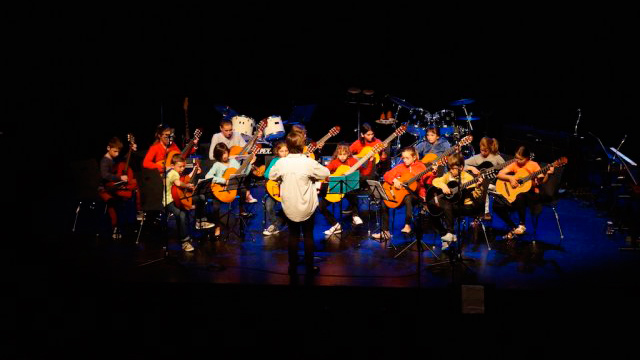 Spectacle guitare Radomisol Pleumeur-Bodou