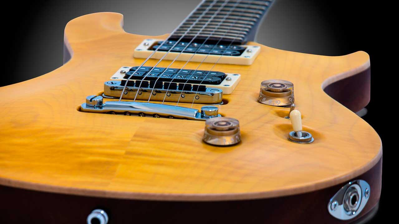 Guitare électrique Radomisol Pleumeur-Bodou